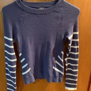 BNWT NY AND CO LONG SLEEVE CROP TOP
